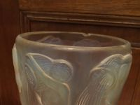 """René J. LALIQUE - """"DANAIDES"""" Vase en verre blanc - XXème"""