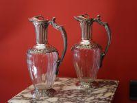 Paire d'aiguières de style Louis XVI, cristal et argent.
